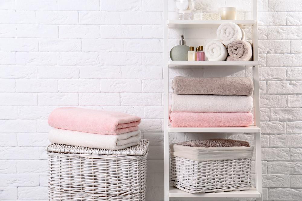 плетеные корзины для ванной