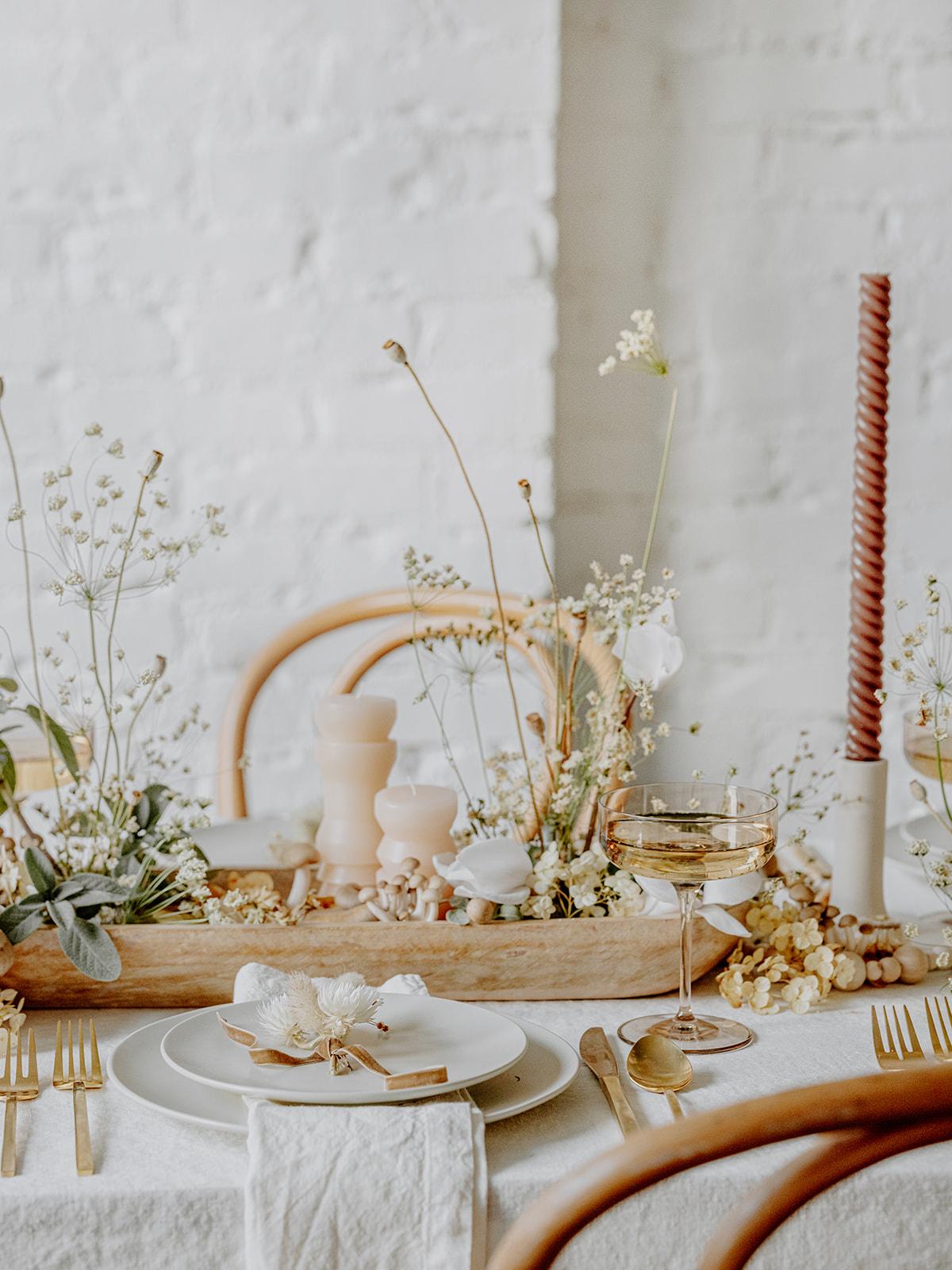 мир, любовь и грибы, кокосовый келли, праздничный стол, 2020