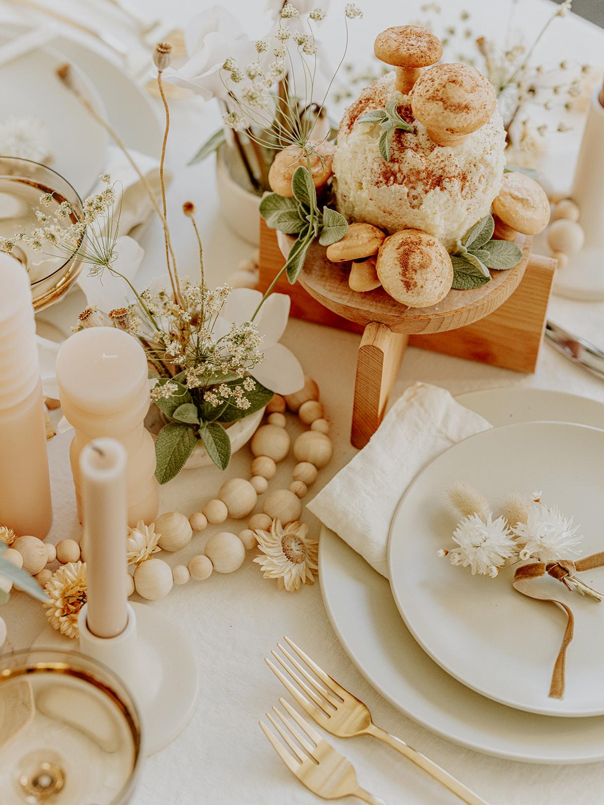 мир любовь и грибы coco kelley holiday tabletop 2020