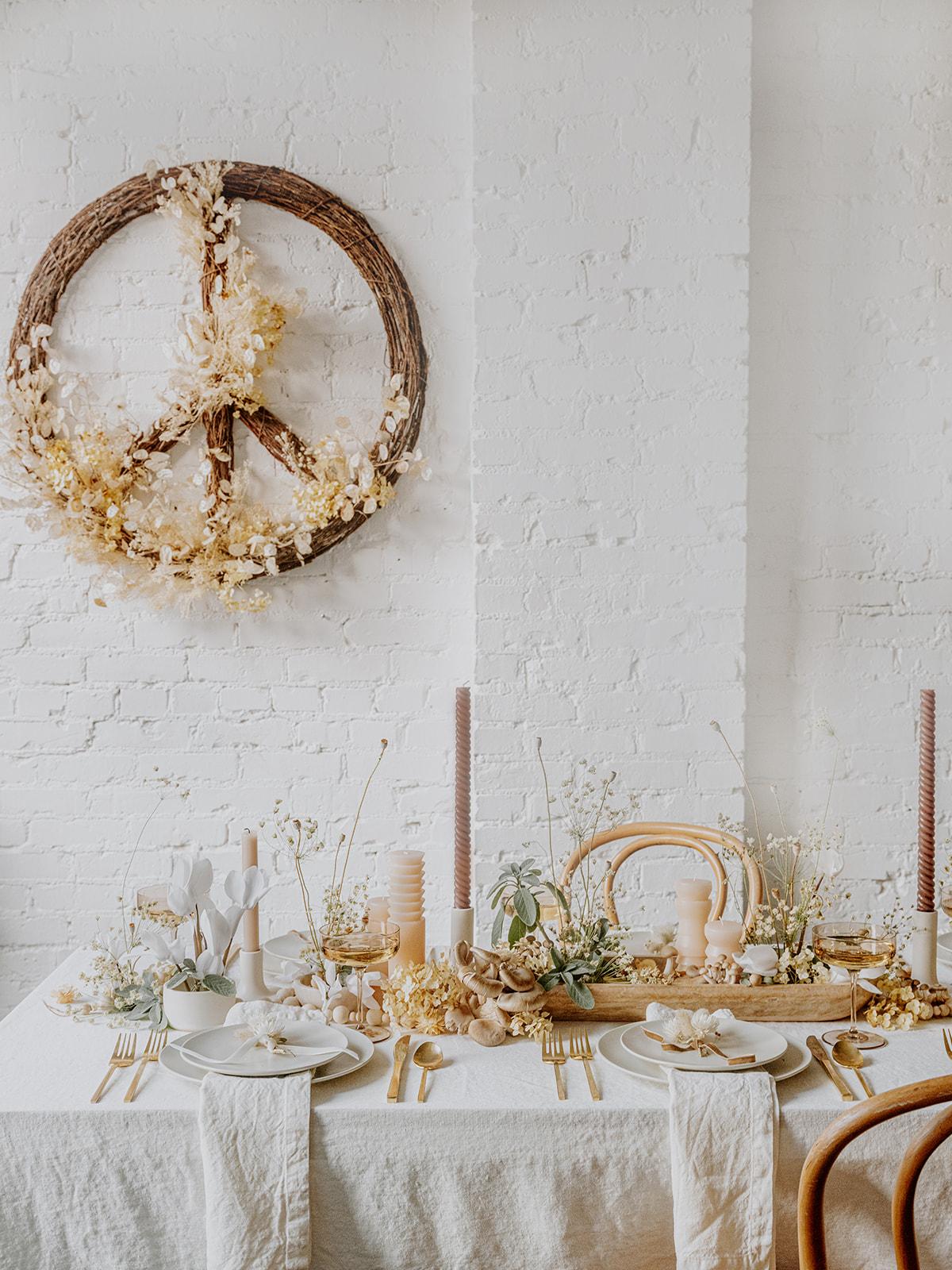 мир, любовь и грибы, кокосовый келли, праздничный стол 2020