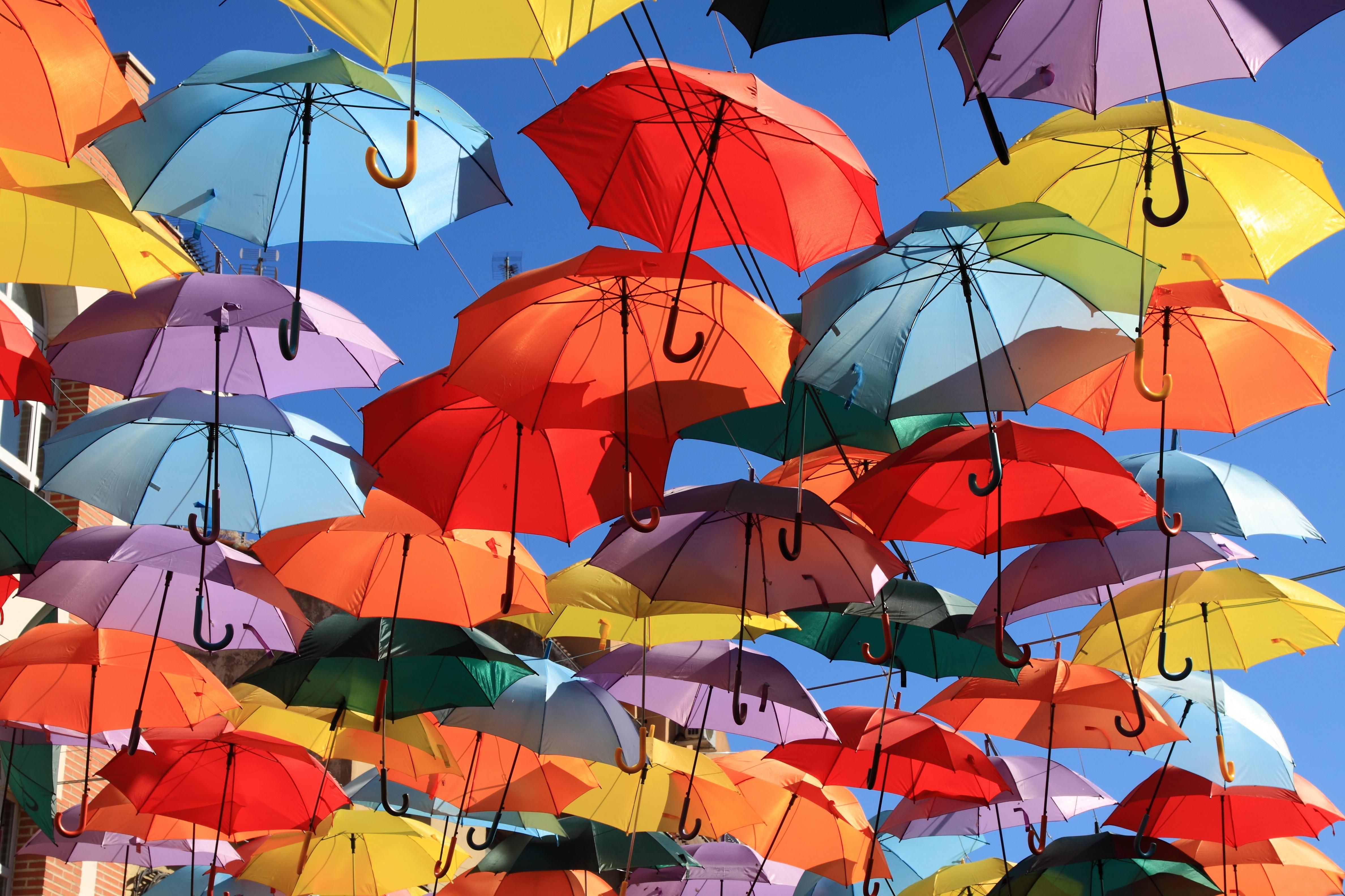 красочное украшение зонтика