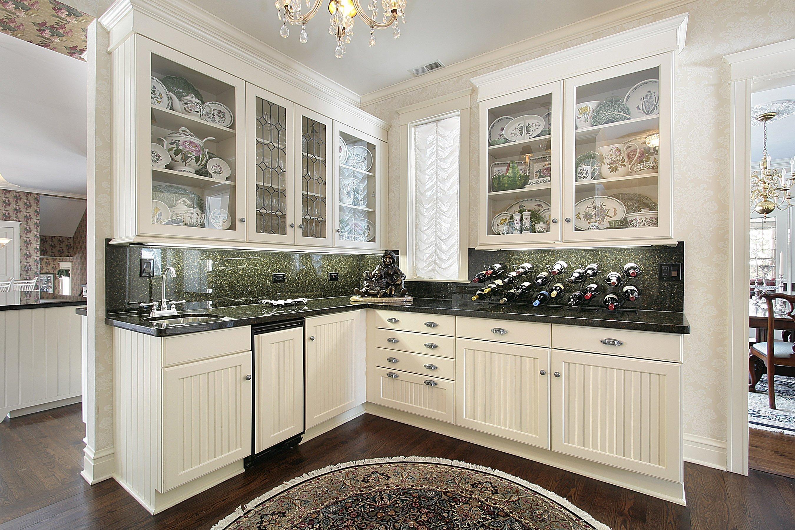 Модульная кухня со стеклом