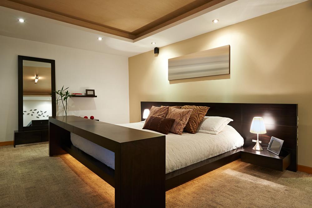 слой освещения в спальне