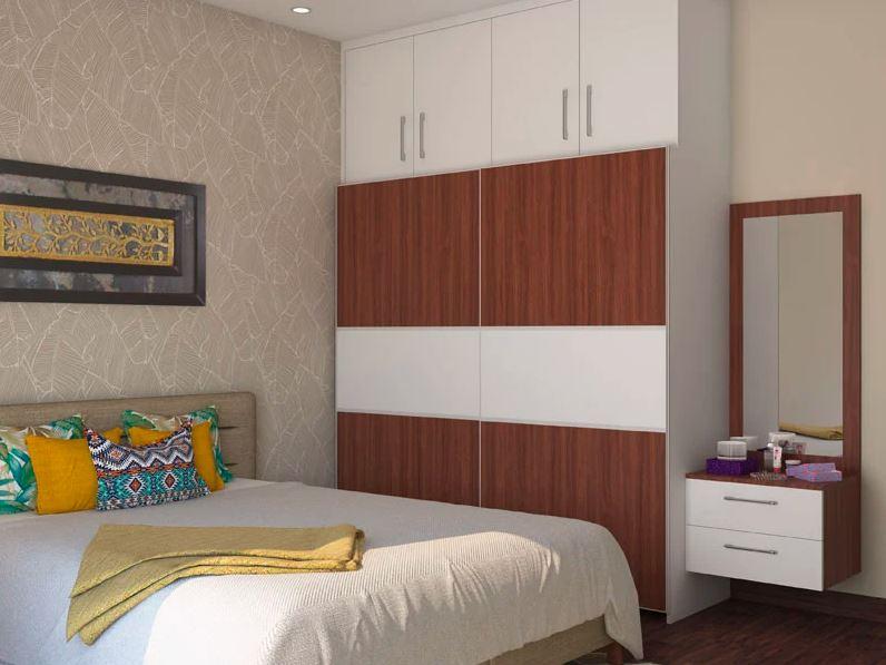 Белый и деревянный шкаф