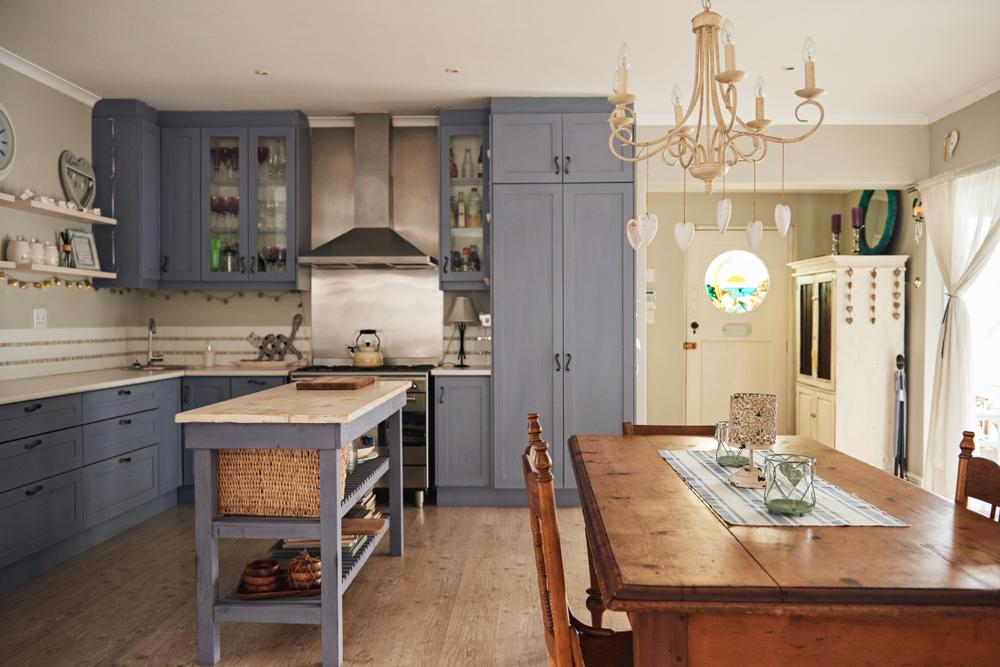 кухонный остров в стиле кантри