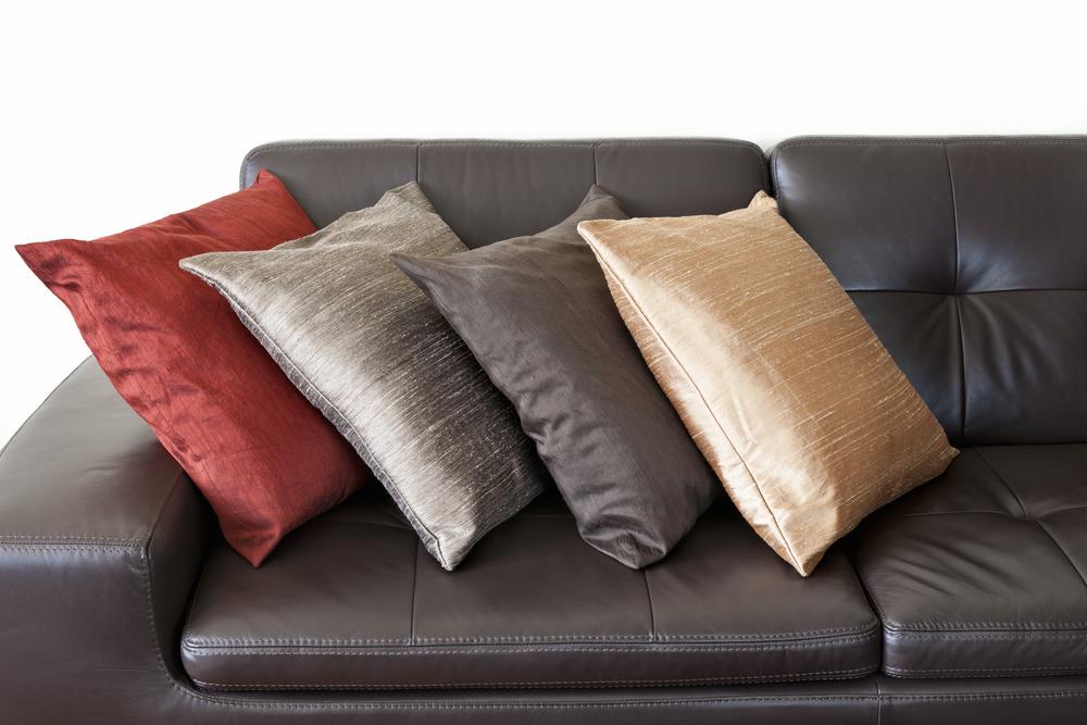 подушки из необработанного шелка