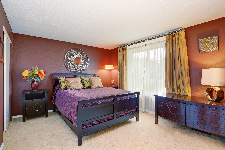 романтические сочетания цветов для спальни