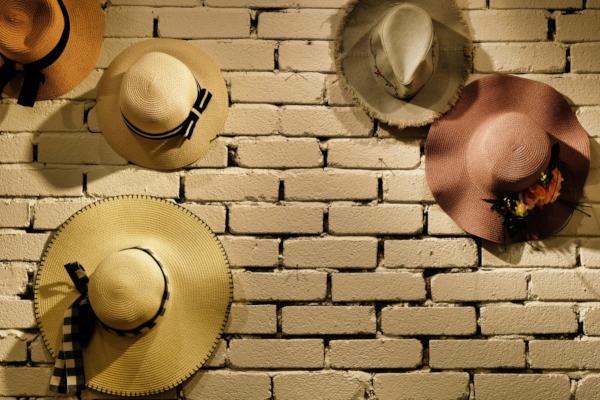 Идеи украшения стен на немецком мазке