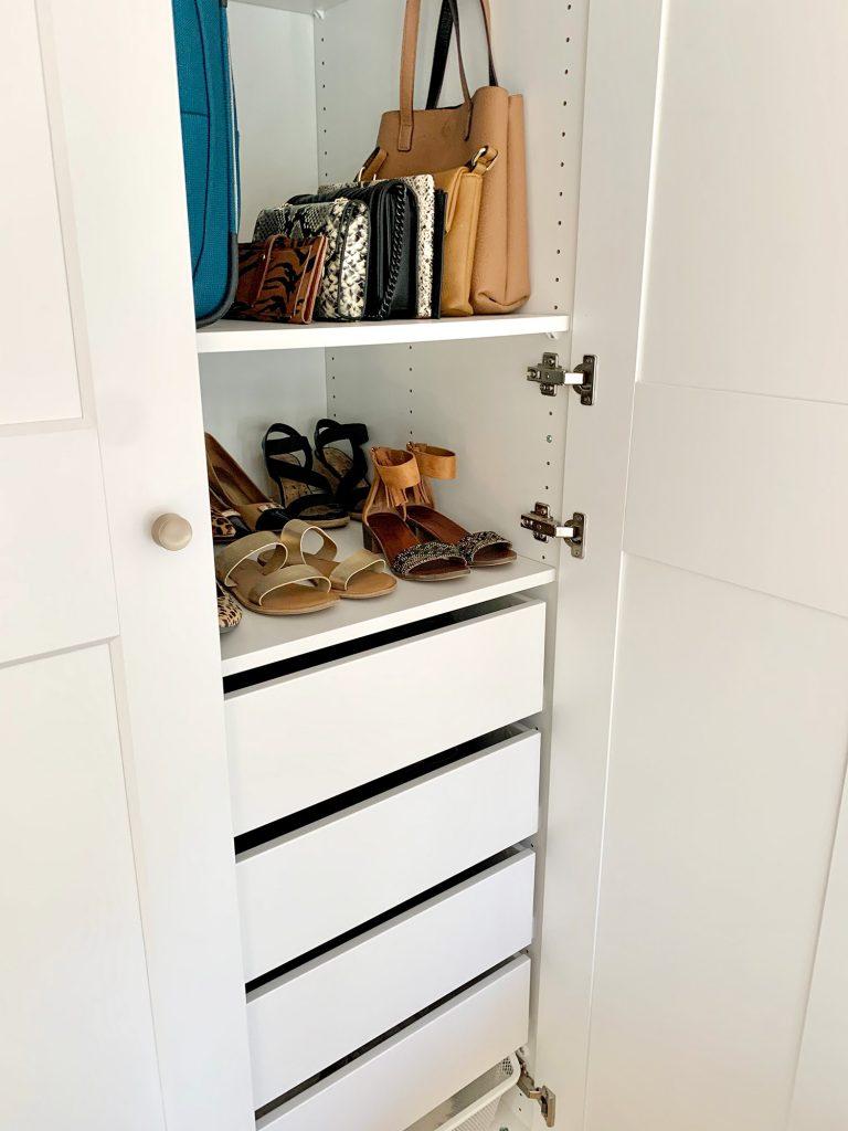 Вид изнутри Ikea Pax Шкаф с обувью и кошельками