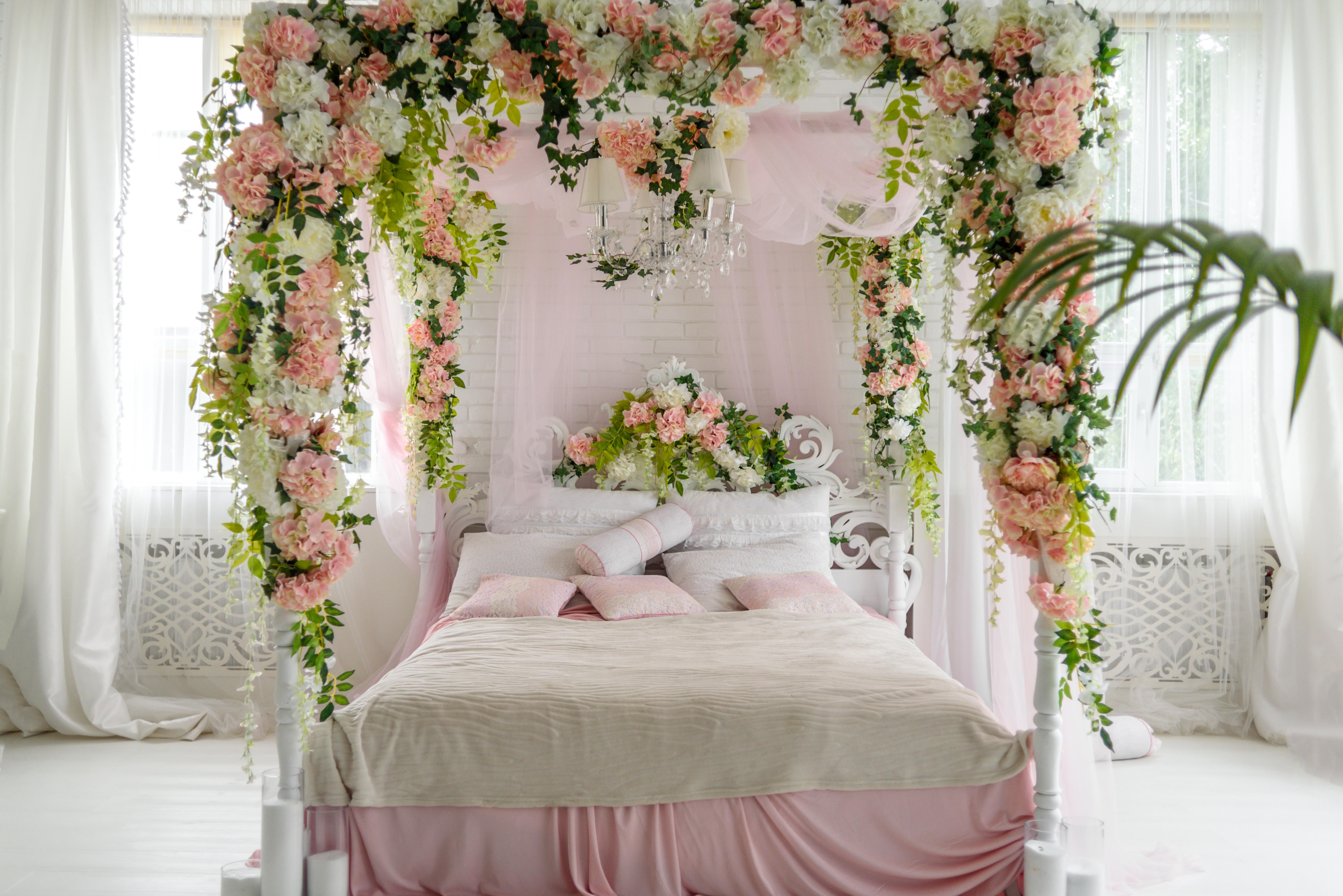 спальня Цветочный декор для пар